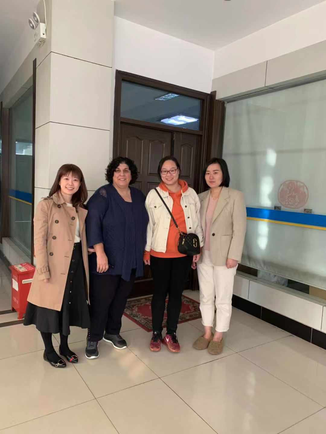 Warmly welcome our client QOSMEDIX from USA to come to our company for visit